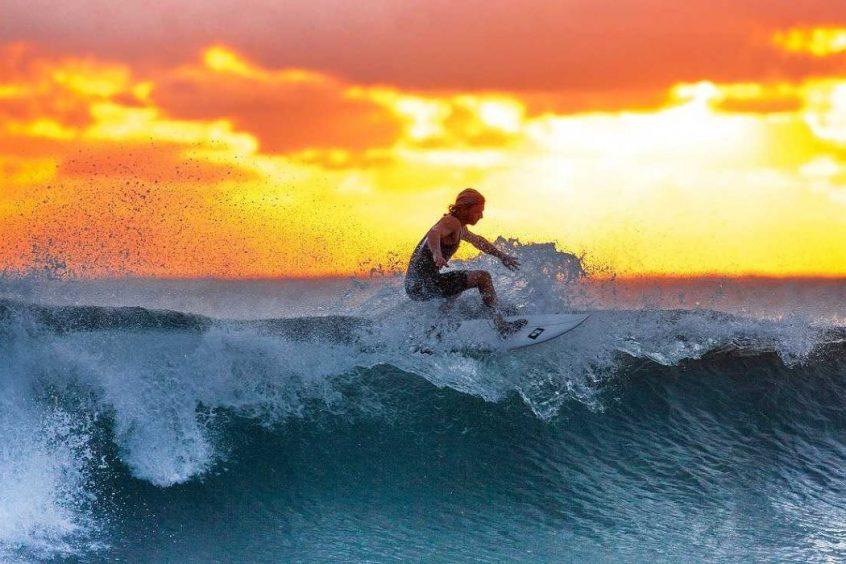 Las_mejores_peliculas_y_documentales_de_surf_1 (1)