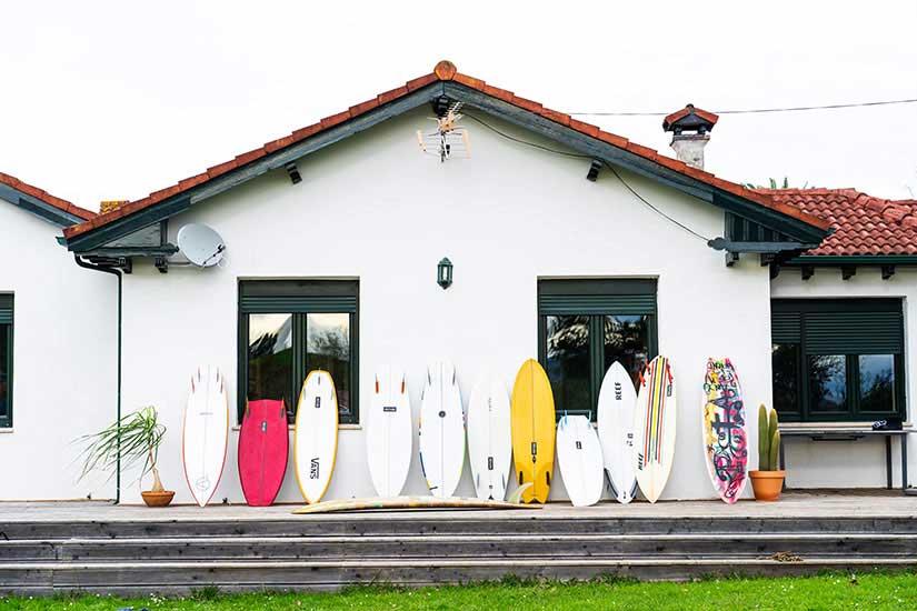 como-aprender-a-surfear-en-casa