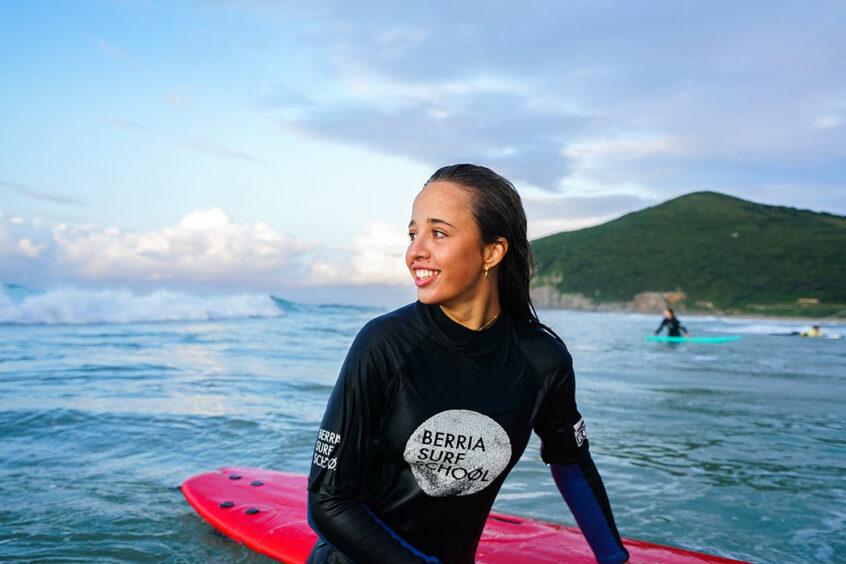 como-aprender-a-surfear-para-niños
