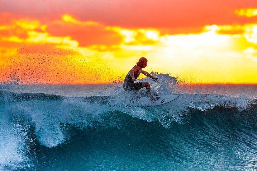 Las-cinco-mejores-bandas-surf-music-01_opt